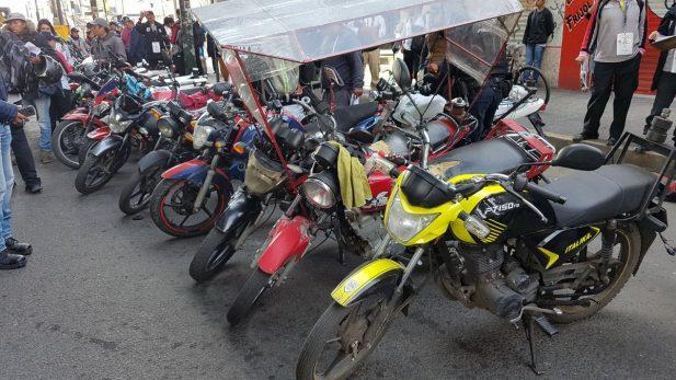 Aseguran 70 mototaxis en operativo en Tláhuac