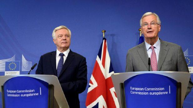 Comienzan negociaciones del Brexit con un Reino Unido dividido