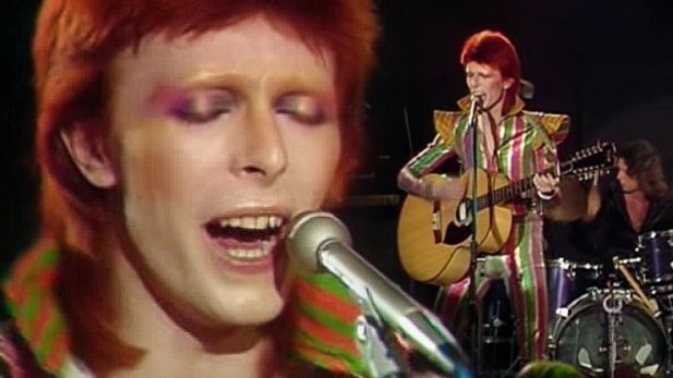 David Bowie canta Space Oddity