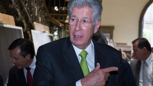 No renuncia Gerardo Ruiz Esparza por socavón en Paso Express