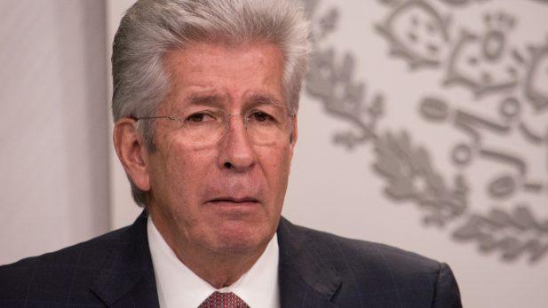 Oposición en el Senado pide renuncia de Ruiz Esparza tras socavón