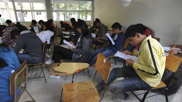 UNAM se disculpa por error en 11 mil exámenes