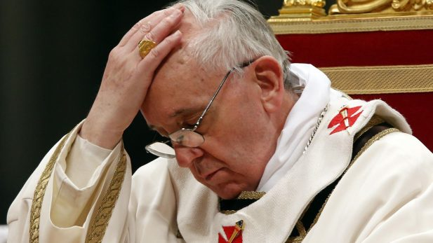 Papa pide perdón por sacerdotes pederastas