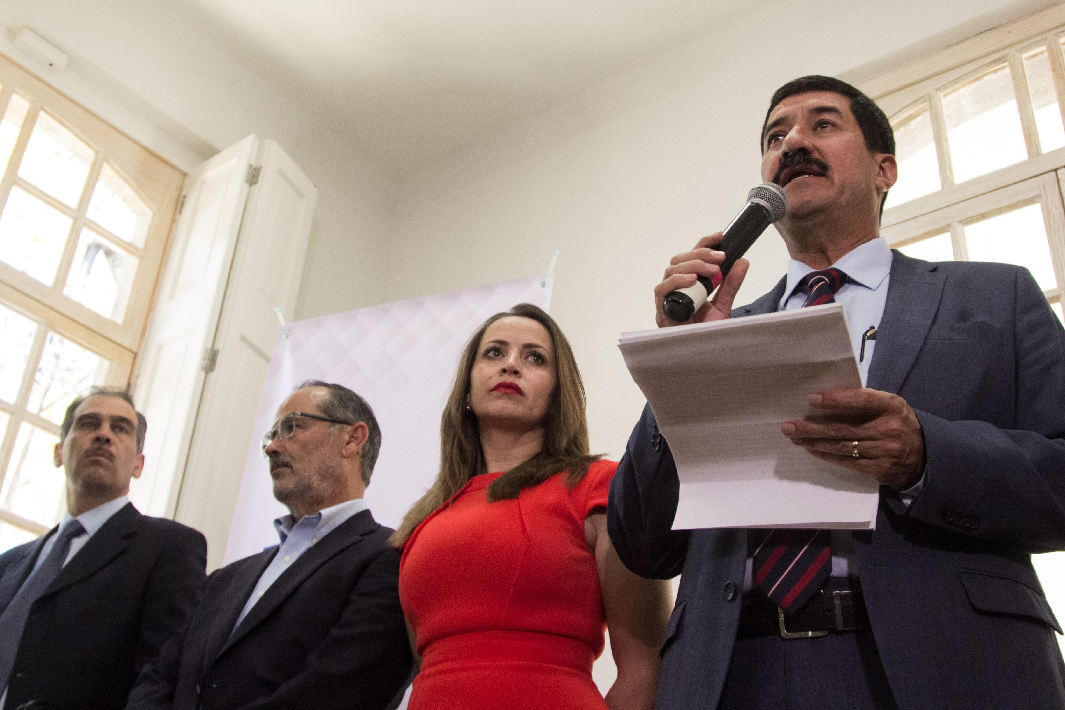 Javier Corral pide a PGR extradición de César Duarte