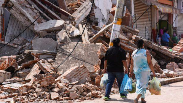 Asciende a 65 el número de muertos por el sismo