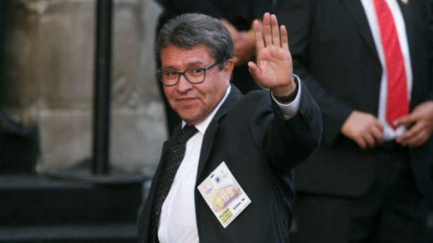 En dos semanas, Ricardo Monreal decide si se va de Morena