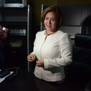 Vinculan a proceso a Eva Cadena por financiamiento ilícito
