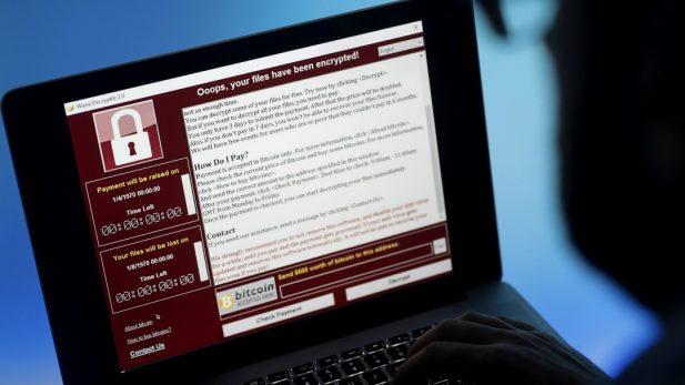 Hackean 143 millones de cuentas de Equifax, los responsables de DICOM