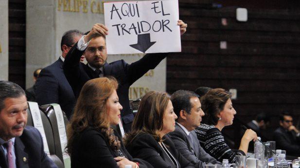 """PAN prepara expulsión de panistas """"traidores""""; Anaya actúa como Maduro: Zuarth"""