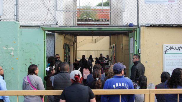 Juez cierra escuela revisada por la SEP por edificio colindante