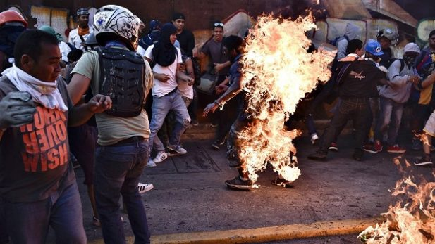 Informe de HRW acusa al regimen chavista de torturar a presos en Venezuela