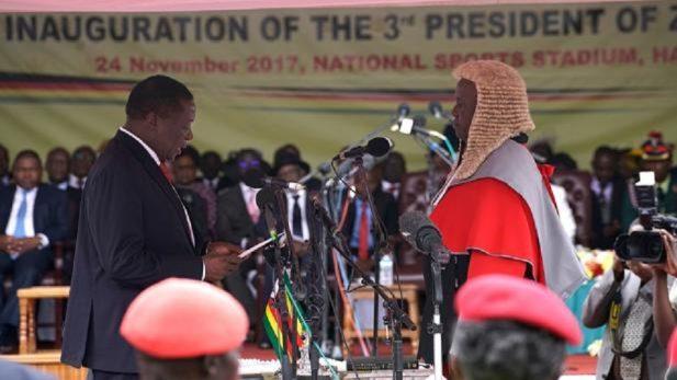 Mnangagwa jura como nuevo presidente de Zimbabue
