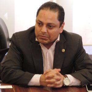 Acusa delegado motivos políticos en su destitución