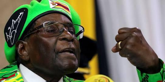 """Mugabe no dimite y pide a Zimbabue volver """"a la normalidad"""""""