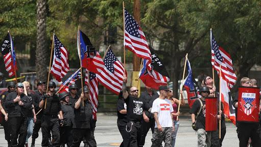 Crece 14.5% crímenes de odio contra hispanos en EU: FBI