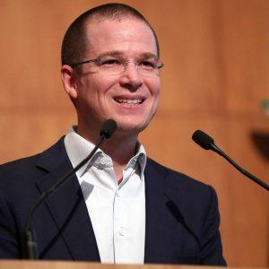 Tribunal ordena a El Universal dar derecho de réplica a Ricardo Anaya en primera plana
