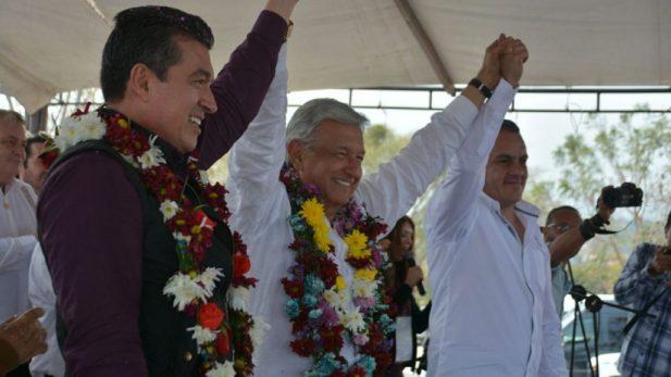 Izquierdista López Obrador lidera preferencias rumbo elección presidencial México: sondeo