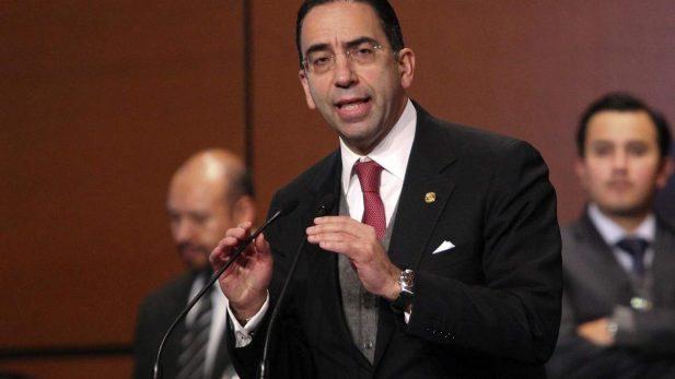 Renuncia Javier Lozano al PAN; califica a Anaya como
