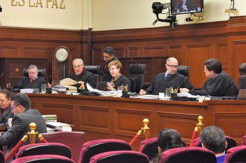 Ordena Suprema Corte destituir a tres administraciones municipales