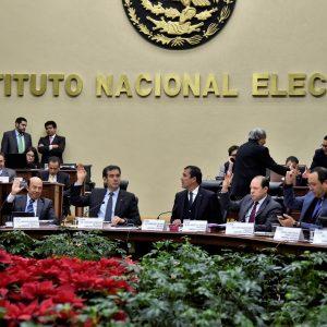 Sanciona INE a partidos por 36.9 MDP por el caso de tarjetas Monex de 2012