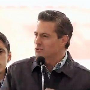 """Se queja Peña Nieto que las redes """"a veces"""" son """"irritantes"""" y lapidarias"""