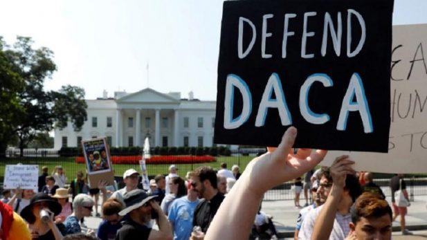 Segundo juez de EU ordena a gobierno de Trump mantener el DACA