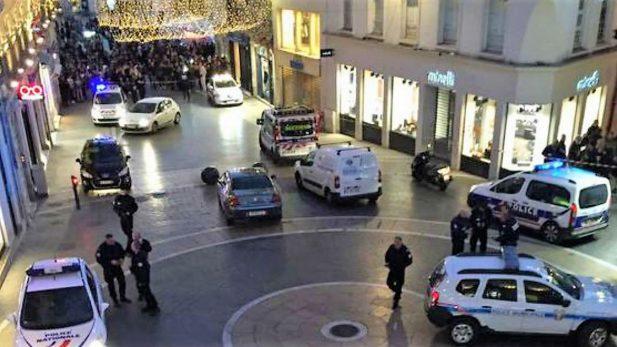 Abaten policías a terrorista que tenía rehenes en Francia; hay 3 muertos