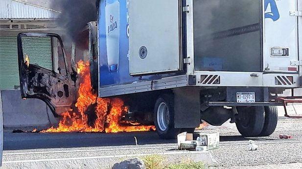 Cierres carreteros y quema de vehículos por 'los Viagras': SPP Michoacán