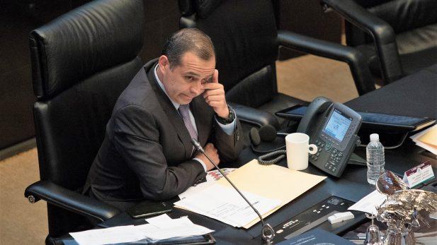 Rechaza pleno senatorial moción contra Ernesto Cordero