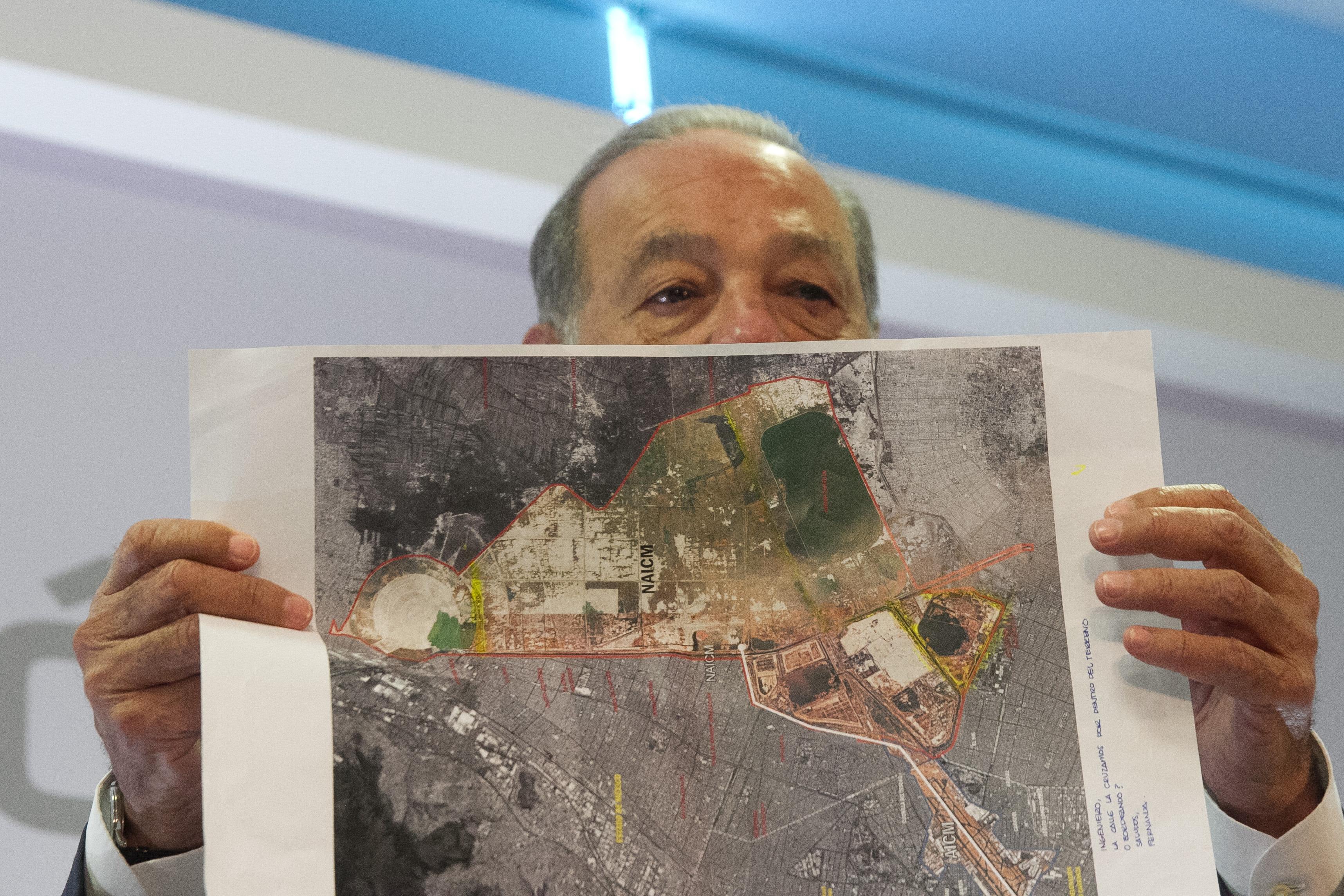 Defiende Carlos Slim construcción del Nuevo Aeropuerto