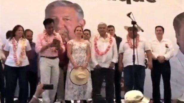 """El populismo no existe, """"como el Chupacabras"""": AMLO; admite estabilidad"""