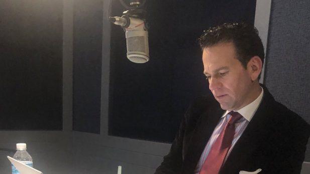 Anuncia Carlos Loret de Mola que termina su programa de radio
