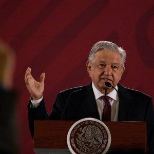 AMLO pide a Reforma que cite su fuente y por eso atenta contra la libertad de expresión