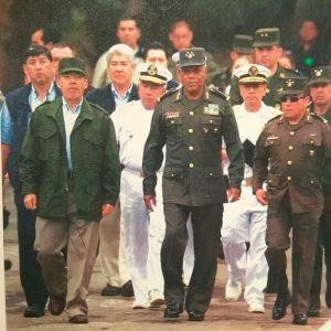 """De militar, Calderón parecía """"Borolas""""; no me queda el saco, a AMLO le queda grande el cargo; FCH"""