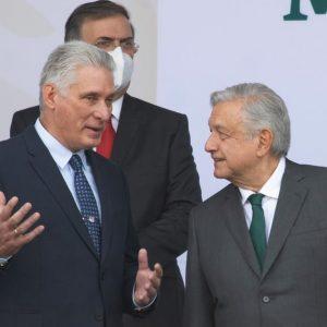 """Llama AMLO a celebrar la """"resistencia"""" de Cuba; demanda a EU """"actuar con grandeza"""" y retirar bloqueo"""
